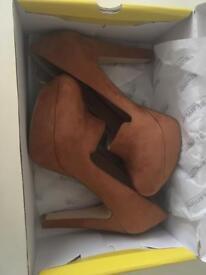 Size 7 platform Faith shoes - hardly worn!
