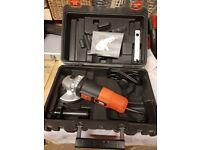 BRAND NEW/Black & Decker small angle grinder