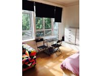 NW6 Large double room with own balcony