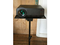 KitMaster HD Projector with stand