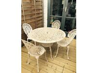 BEAUTIFUL IRON LARGE GARDEN TABLE AND 4 CHAIRS