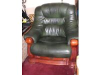 SUPERB LEATHER SUITE WITH SUPERB WOOD FRAME AND DRAWERS
