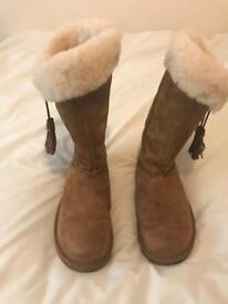 Ladies Plumdale Ugg Boots