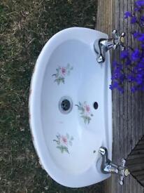 Vintage design cloakroom sink