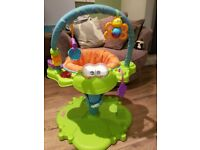 Baby activity seat/centre