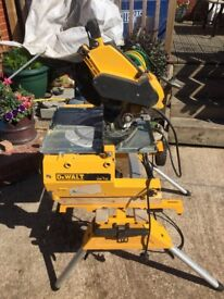 Dewalt DN742 flip saw with DE7400 trolly / stand