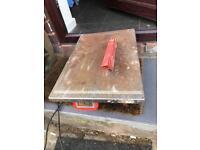 Heavy duty tile cutting saw, diamond tipped cutting disc