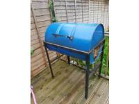 Oil drum barbecue or slow cooker