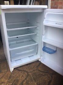 Hot point iced diamond under counter fridge