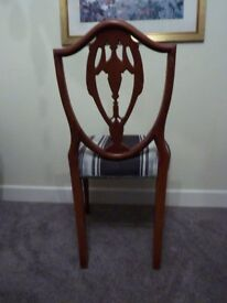 6 Dinning Chairs solid wood with cloths seats