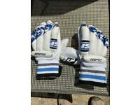 Stanfaro cricket hand gloves for young boys