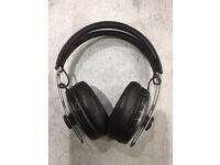 Sennheiser Momentum 2 Bluetooth Wireless Noise cancelling around ear Headphones. Black Mint boxed.