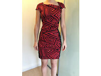 Beautiful smart red and black geometric patterned dress - size 10 (38)