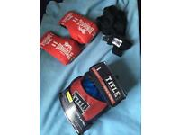 Junior boxing gloves, pads & wraps