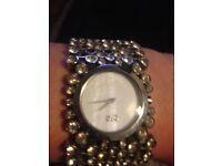 Genuine D&G diamanté watch £80 stunning & eyecatching. Excellent condition