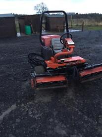 Toro sidewinder Triple cylinder mower kubota engine no vat