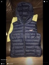 Holister body warmer size 8 small hardly ever worn great condition