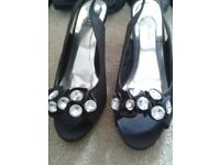 Beautiful diamond sling back shoes size 4 never worn