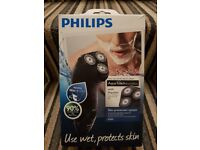Philips Aqua Touch Electric Shaver NEW