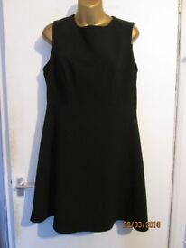 LITTLE BLACK SHIFT PARTY DRESS BY F&F SIZE 14 FULLY LINED WITH GOLD BACK ZIP