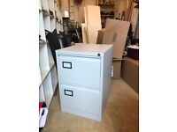 2x Metal Filing Cabinets Hardly used Excellent condition READY FOR COLLECTION