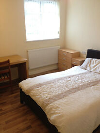 Double Rooms in a superb student house £400pcm all bills inc M14