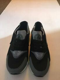 Men's Nike Huaraches Size9 uk