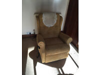 Electric rise and recline arm chair