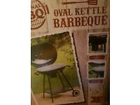 Oval kettle barbeque