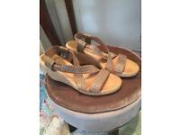 Russel&Bromley wedges