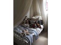 Cream metal-framed Children's Single Bed