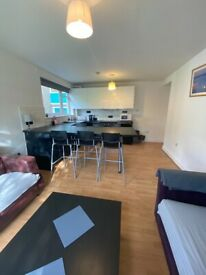 STUDENT HMO 5 bed 2 bath flat in Merchiston close to all Universities- ALL bills included