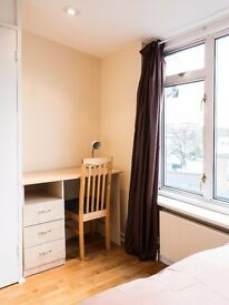 ** 2 Bright and Beautiful Rooms in Kentish Town **