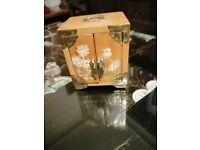 PRETTY VINTAGE CHINESE JEWELRY/TRINKET BOX