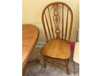 Round extending table with 3 Chairs