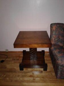 Table de salon / table de chevet / table basse