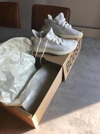 Adidas Yeezy Boost 350 V2 brand new boxed