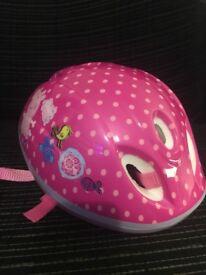 Peppa pig helmet roughly age 2-3