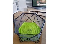 Summer pop and play pen ***easy fold***