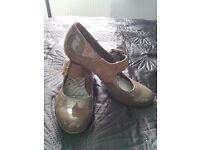 Ladies stone patent leather & suede smart shoes size 6 - excellent condition
