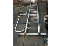 Roof work ladder