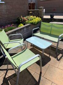 Coffee table & chairs metal frame