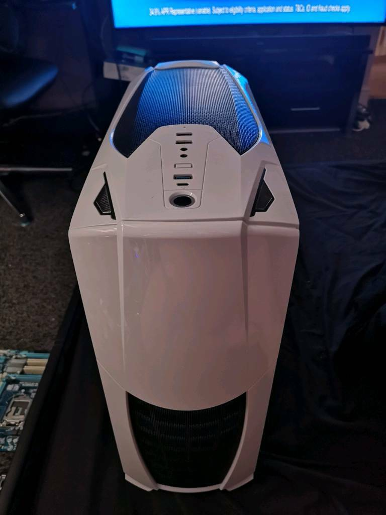 PC gaming towerin Wakefield, West Yorkshire - Pc gaming tower great condition priced for quick sale