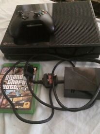 Xbox One with controller & GTA5 X Box