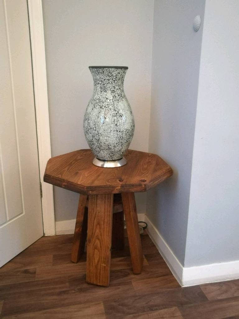 Coffee table/lamp table