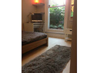 NW6, Very nice room in fantastic house share, lounge and kitchen, nice people