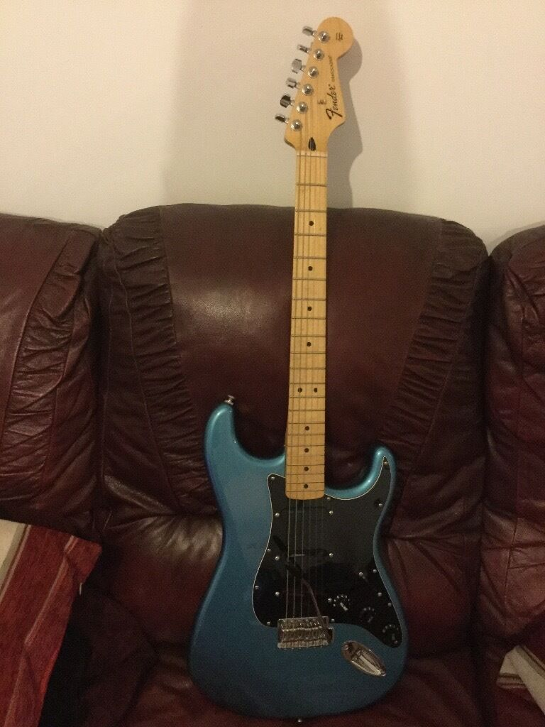 Mexican Fender Stratocaster. Perfect condition with Laser sensor pick ups and hard casein Studley, WarwickshireGumtree - Perfect condition, hardly used been in a hard case for years. Laser sensor pick ups. Believe it to be manufactured in 2014. Includes hard case