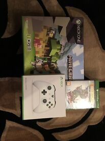 SEALED BRAND NEW UNOPENED XBOX ONE S 500GB MINECRAFT FAVOURITES BUNDLE EXTRA CONTROLLER AND GAME