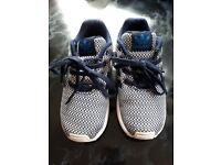Adidas torsion size 9 childrens in blue