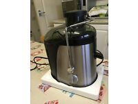 Whole Fruit Juice Extractor made by Elgento